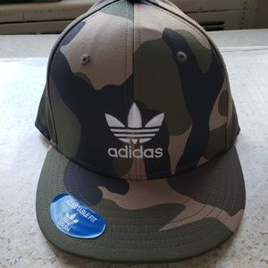 Adidas camo snapback cap